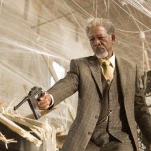 Morgan Freeman in una sequenza di Wanted