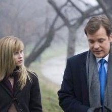 Reese Witherspoon e Peter Sarsgaard in una scena di Rendition
