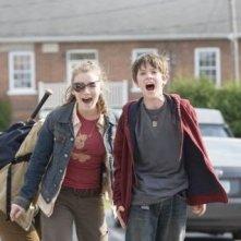 Sarah Bolger e Freddie Highmore in una scena de Le cronache di Spiderwick