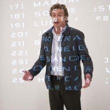 Simon Baker in una scena del film Tutti i numeri del sesso