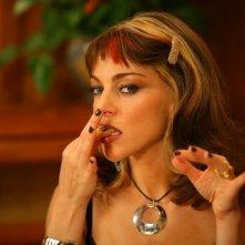Vlaudia Gerini in una scena del film Grande, grosso e... Verdone