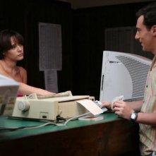 Elio Germano e Laura Chiatti in una sequenza del film Il mattino ha l'oro in bocca