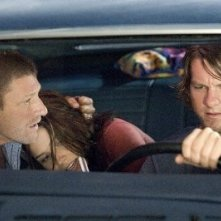 Sean Bean, Sophia Bush e Zachary Knighton in una scena di The Hitcher