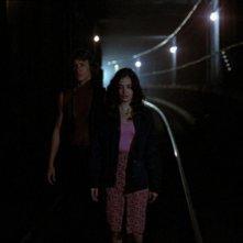 Michael Beck e Deborah Van Valkenburgh in una sequenza de I GUERRIERI DELLA NOTTE