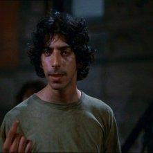 Paul Greco in una scena de I GUERRIERI DELLA NOTTE
