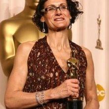 Academy Awards 2008: Alexandra Byrne, vincitrice dell'Oscar per i costumi da lei realizzati per Elizabeth: The Golden Age