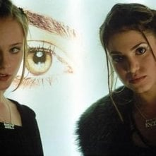 Evan Rachel Wood e Nikki Reed in una sequenza di Thirteen - Tredici anni