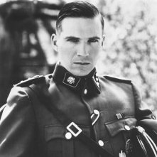 Ralph Fiennes interpreta Amon Goeth in Schindler's list