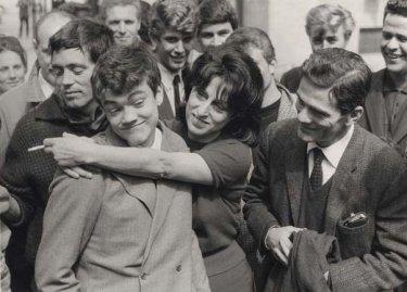 Anna Magnani con Pasolini sul set di Mamma Roma