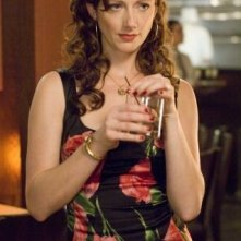 Judy Greer in una scena del film 27 volte in bianco