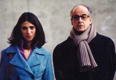 Magnani e Servillo in una sequenza del film Le conseguenze dell'amore