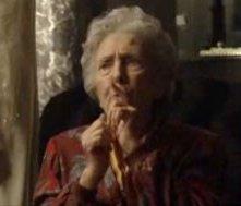 L'attrice Regina Bianchi in una scena del film Ci sta un francese, un inglese e un napoletano