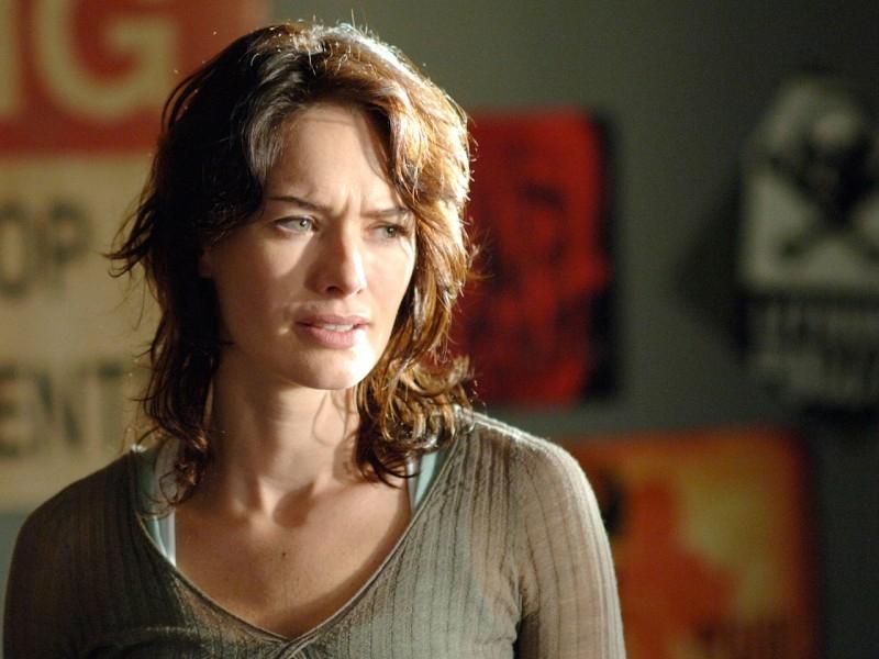 Lena Headey in una scena del Pilot di Sarah Connor Chronicles