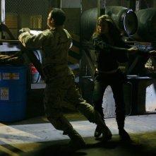Summer Glau combatte con Brian Bloom in 'Heavy Metal', quarto episodio di Sarah Connor Chronicles