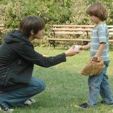 Thomas Dekker ed il piccolo Skyler Gisondo in 'What He Beheld', nono episodio di Sarah Connor Chronicles