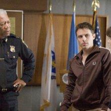 Morgan Freeman, Casey Affleck e Michelle Monaghan in una scena di Gone Baby Gone