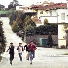Una sequenza del film La zona, scritto e diretto da Rodrigo Plá
