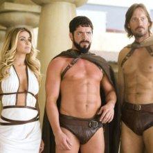 Carmen Electra, Sean Maguire e Kevin Sorbo in una scena del film 3ciento - Chi l'ha duro... la vince