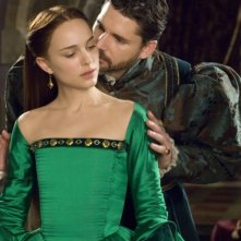 Eric Bana e Natalie Portman in una scena de L'altra donna del re