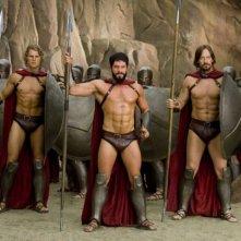 Gli spartani Travis Van Winkle, Sean Maguire e Kevin Sorbo in una scena del film 3ciento - Chi l'ha duro... la vince