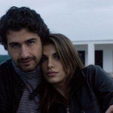 Alessandro Siani accanto a Elisabetta Canalis sul set del film La seconda volta non si scorda mai
