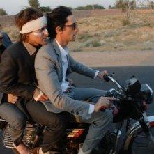 Jason Schwartzman, Owen Wilson e Adrien Brody in una sequenza de Il treno per il Darjeeling