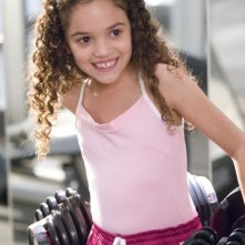 Madison Pettis in una sequenza del film Cambio di gioco