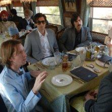 Wes Anderson con Adrien Brody, Jason Schwartzman e Owen Wilson sul set di The Darjeeling Limited