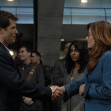 Jamie Bamber e Mary McDonnell in una scena dell'episodio 'Six of One' della quarta stagione di Battlestar Galactica