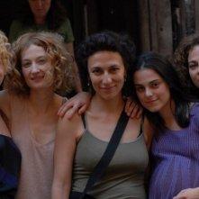 Cristina Odasso, Francesca Cutolo, Marina Rocco, Alba Rohrwacher e la regista Anna Negri sul set del film Riprendimi