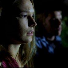 Jane McGregor in auto con il suo ragazzo mentre sono attaccati dall'Uomo Uncino in Supernatural