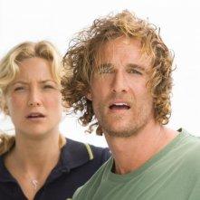 Matthew McConaughey accanto a Kate Hudson in una scena del film Tutti pazzi per l'oro