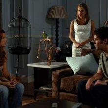 Paul Rudd, Eva Longoria e Lake Bell in una sequenza del film La sposa fantasma