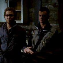 A.J. Buckley nel ruolo di Ed Zeddmore e Travis Wester nel ruolo di Harry Spengler, gli acchiappafantasmi imbranato dell'episodio 'La casa infernale' di Supernatural