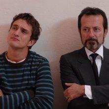 Alessandro Tiberi e Rocco Papaleo in una scena del film L'amore non basta