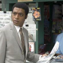 Chiwetel Ejiofor in una scena del film Talk to me