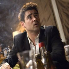 Colin Farrell in una scena del film In Bruges - La coscienza dell'assassino