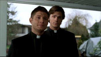 Jared Padalecki e Jensen Ackles in un episodio di Supernatural: 'Incubi'