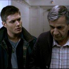 Jensen Ackles e William B. Davis nell'episodio 'Lo spaventapasseri' di Supernatural