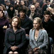 Julie Benz, Gillian Barber, Jensen Ackles e Jared Padalecki nell'episodio 'Faith' di Supernatural
