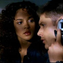 La bella Megalyn Echikunwoke e Jensen Ackles nell'episodio 'Route 666' di  Supernatural
