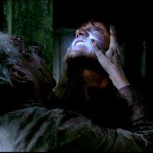 Sam, interpretato da Jared Padalecki, viene aggredito dal fantasma del dottor Ellicott, il personaggio di Norman Armour, nell'episodio 'La rivolta' di Supernatural