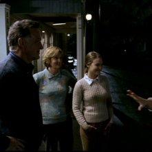 Tania Saulnier, P. Lynn Johnson e Tom Butler nell'episodio 'Scarecrow' di Supernatural