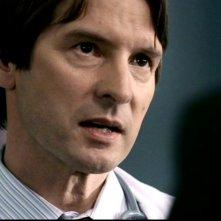 Adrian Hough nel ruolo del diabolico dottore in 'Qualcosa di stregato' di Supernatural