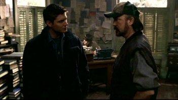 Jim Beaver, Jensen Ackles e Jim Beaver  nell'episodio 'La trappola del diavolo' di Supernatural