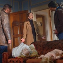 Jensen Ackles, Jared Padalecki e Annie Wersching nell'episodio 'Playthings' della serie Supernatural