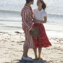 Claire Danes e Hugh Dancy in una sequenza di Un amore senza tempo