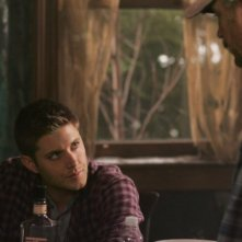 Jim Beaver e Jensen Ackles nell'episodio 'All Hell breaks loose: part 2' della serie tv Supernatural