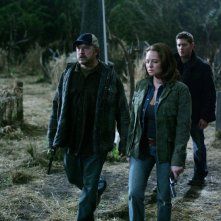 Jim Beaver, Jensen Ackles e Samantha Ferris nell'episodio 'All Hell breaks loose: part 2' della serie tv Supernatural
