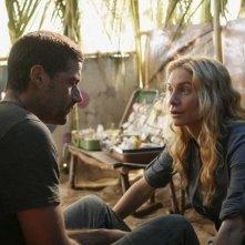 Matthew Fox ed Elizabeth Mitchell in una scena dell'episodio 'Something Nice Back Home' di Lost